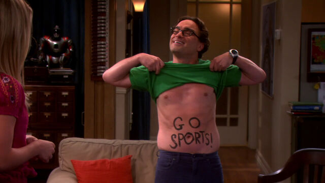 File:S6EP01 - Leonard painted his stomach.jpg