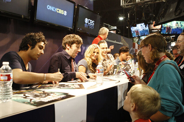 File:TBBT Autograph Signing.jpg
