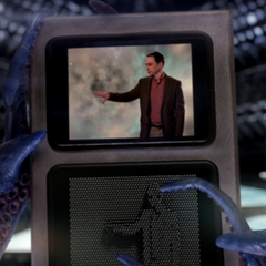 Aliens watching Sheldon's intergalactic message.