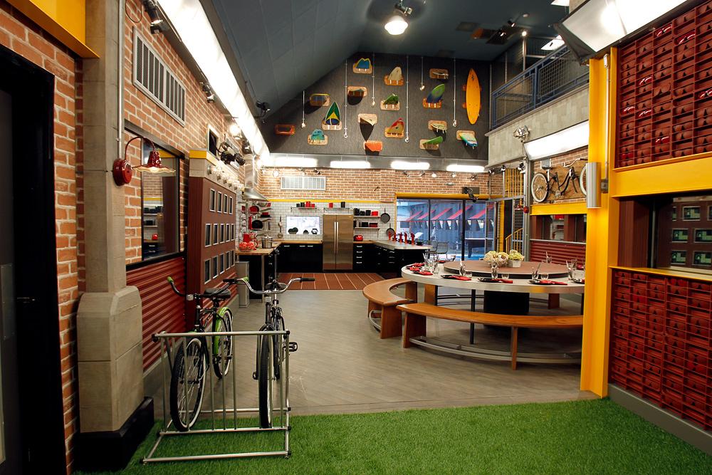 File:Dining Room BB13.jpg