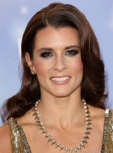 Danica-patrick-2013-american-country-awards-06