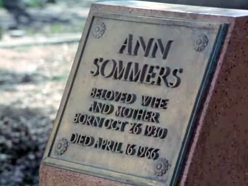 File:Tombstone AnnSomers.jpg