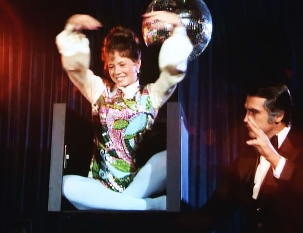 File:Hocus-Pocus - Appearance of Audrey Moss in the Magic Box.jpg