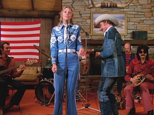 File:Road to Nashville - Jaime sings.jpg