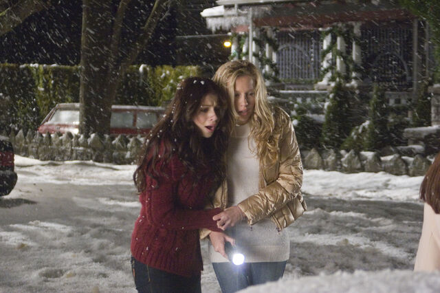 File:Michelletrachtenberg-dot-org blackchristmas-stills007.jpg