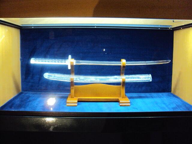 File:Glass Katana by Warolf.jpg