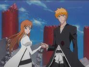 Ichigo-and-Orihime-Hand-To-Hand