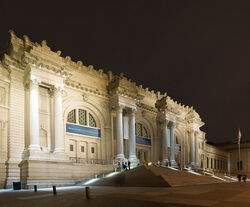 Metropolitan-Museum-of-Art-Night-View