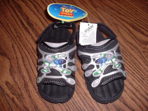 File:Sandals2.JPG
