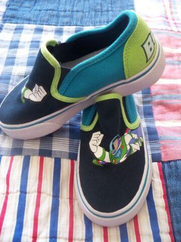 File:Shoes4.JPG