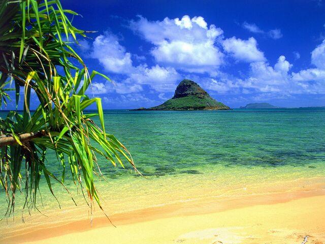 File:Chinamans Hat, Oahu, Hawaii.jpg