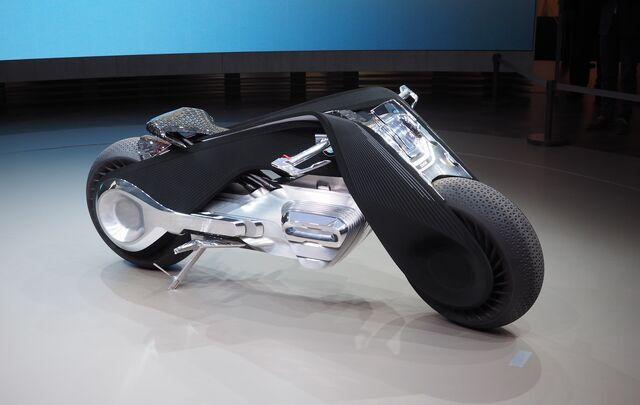 File:BMW Motorrad Vision Next 100-02.jpg