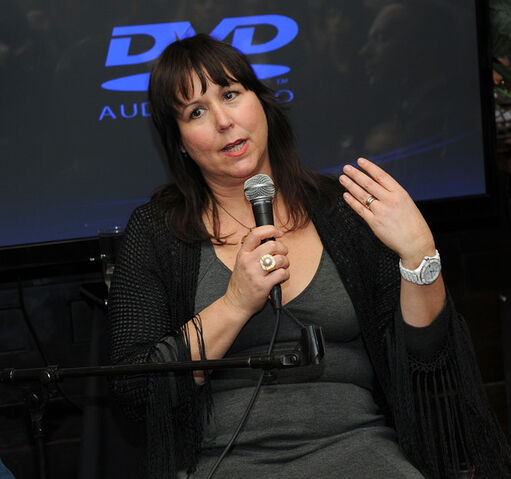 File:Lisa Padovani.jpg
