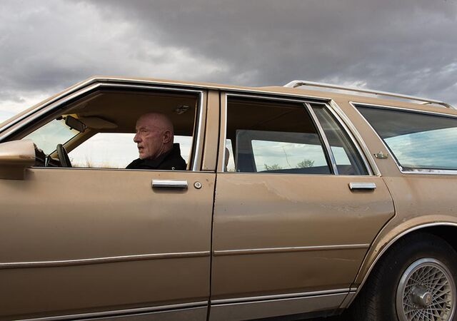 File:Better-call-saul-episode-210-mike-banks-935.jpg