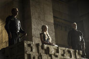Dany-with-jorah-and-selmy-jorah-and-daenerys-37080248-500-333