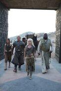 Daenerys-Targaryen-Jorah-Mormont-jorah-and-daenerys-32356024-334-500