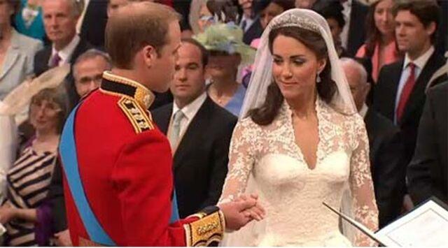 File:Kate's Wedding Dress.jpg
