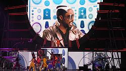 File:250px-Big Fat Bass with Will.i.am FFT Toronto.jpg