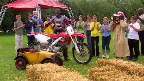 Brum 501 - STUNT BIKE - Kids Show Full Episode
