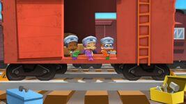 Triple-Track Train Race.mkv snapshot 08.57 -2013.01.30 13.15.12-