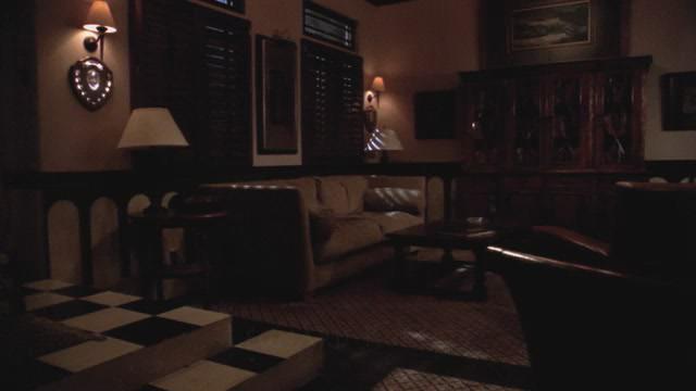 File:WTWTA Lowell House Inside.JPG