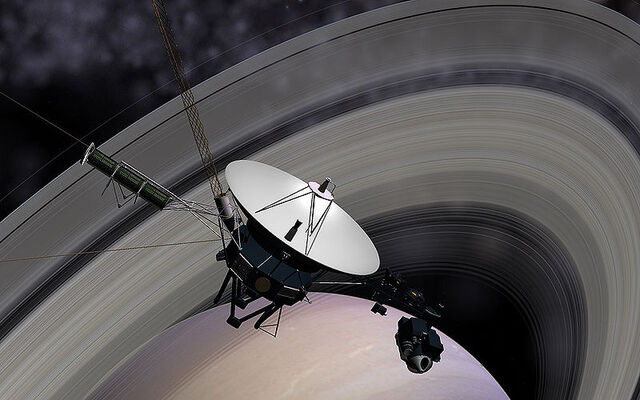 File:Voyager Saturn.jpg