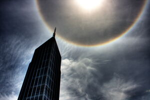 Halo or Ring around the Sun - Melbourne 2009.jpg