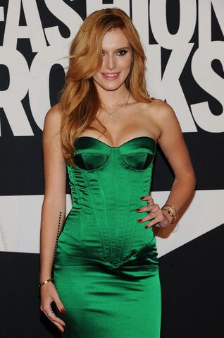 File:Bella Thorne23.jpg