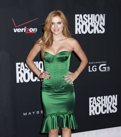 File:Bella Thorne27.jpg