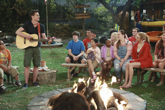 File:Pilot (Xander playing guitar with Tiffany, Zuri, Lou, and Emma) Campfire.jpg