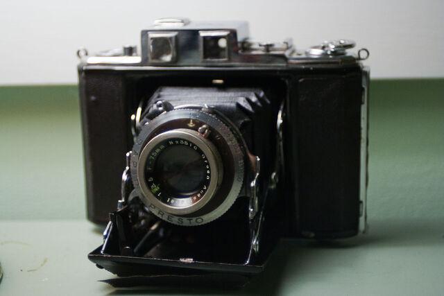 File:Greencamera-5.jpg