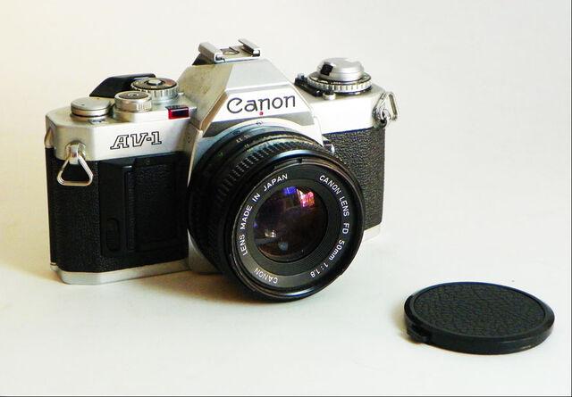 File:Canon AV-1.jpeg