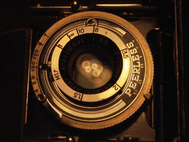 File:Z99 Adler-A 1938 folding camera RARE lens.jpg