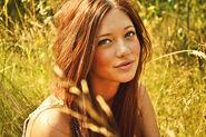 Pretty tumblr girl smile-2