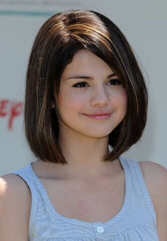 File:Selena-Gomez-Short-Hair-Styles.jpg