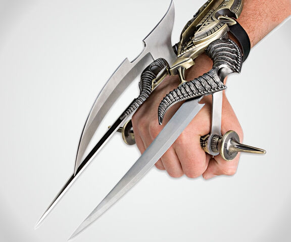 File:Connor's hand weapon.jpg