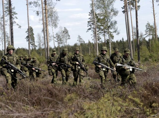 File:Soldiers in Forest.jpg