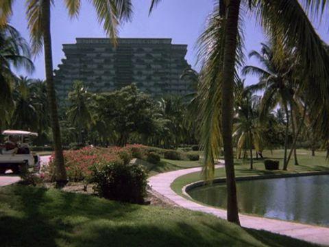File:Acapulco hotel2.jpg