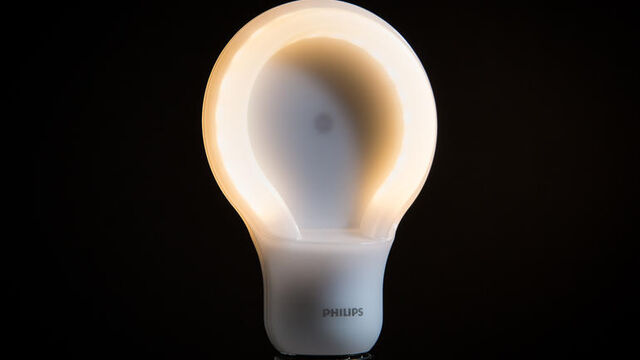 File:Philips-75w-slimstyle-led-product-photos-1.jpg