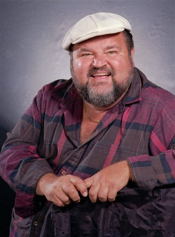 File:Dom deluise.png