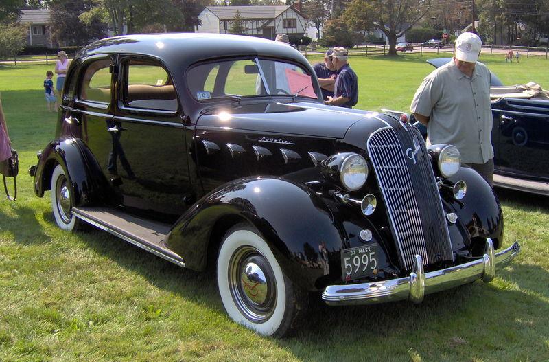800px-1937 Graham Cavalier