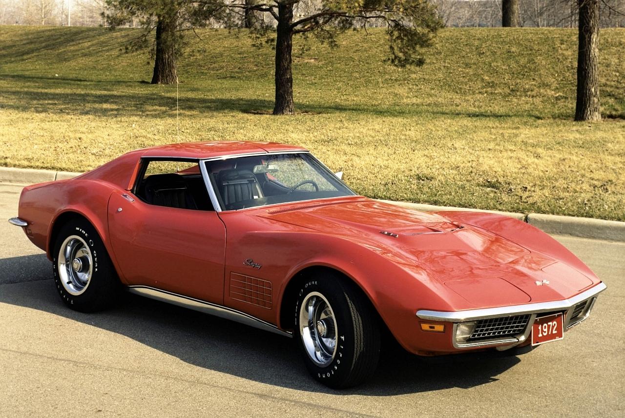 1972-chevrolet-corvette-coupe-stingray Classic 1280x857-1-