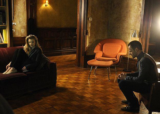 File:015 The Woman episode still of Irene Adler and Sherlock Holmes.jpg