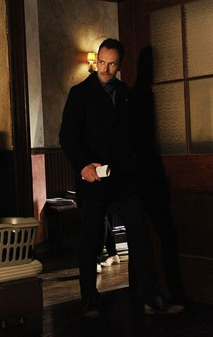 File:013 The Woman episode still of Sherlock Holmes.jpg