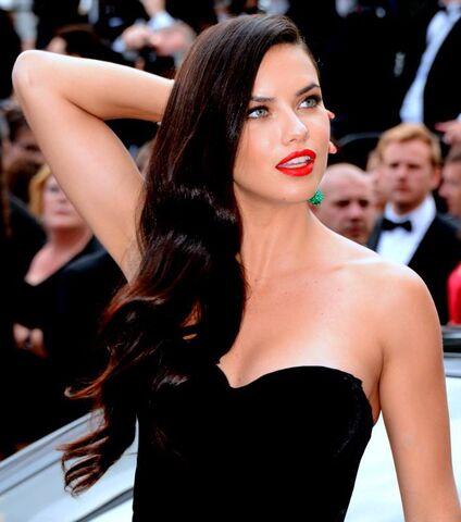 File:Lima Cannes 2015 22.jpg