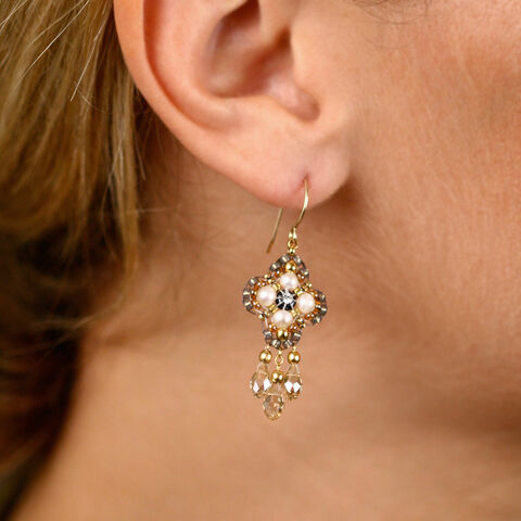 File:Small Dangle Earrings.jpg