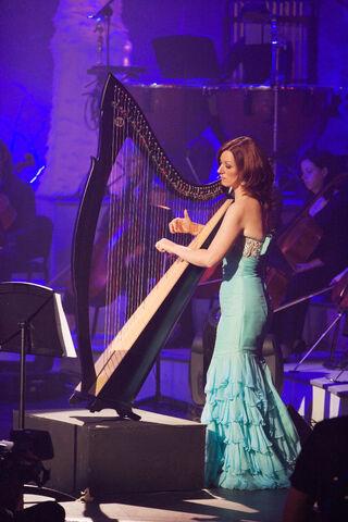 File:Órla Fallon does a clueless performance.jpg