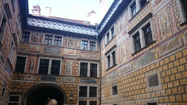File:Český Krumlov Schloss...nochmal.jpg