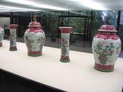 Qing-dynasty-vases.jpg