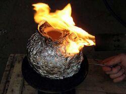 Seminario Gesell quema con soplete11.jpg